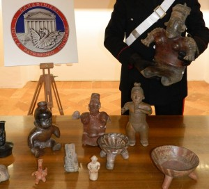 Roma – Restituiti all'Ambasciatore Messicano 38 reperti archeologici