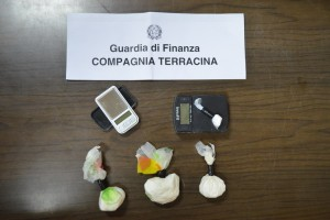 Priverno – Arrestata una pusher dalla Guardia di Finanza
