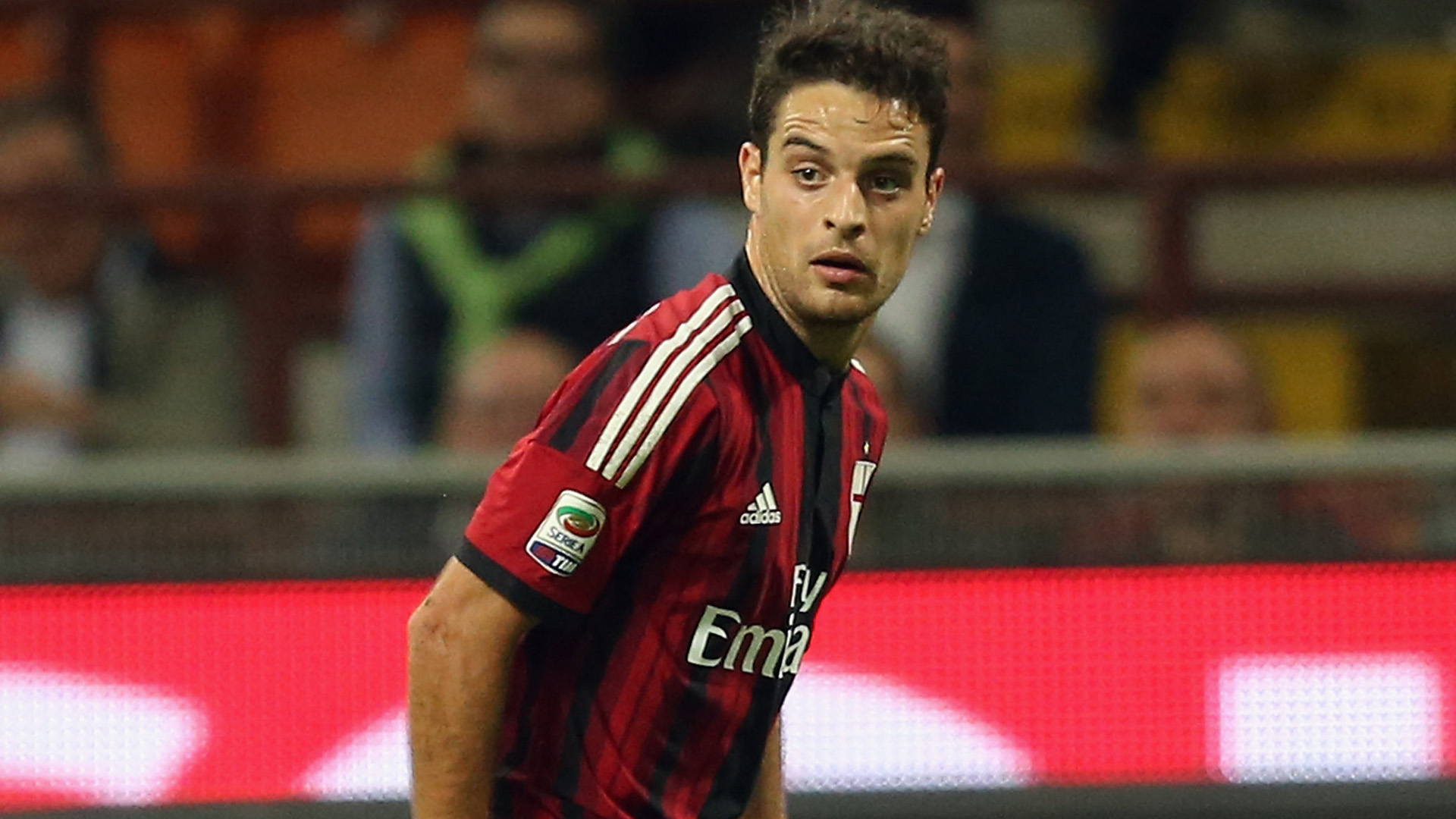 MILAN, ITALY - OCTOBER 04: Giacomo Bonaventura of Milan during the Serie A match between AC Milan and AC Chievo Verona at Stadio Giuseppe Meazza on October 4, 2014 in Milan, Italy.  (Photo by Maurizio Lagana/Getty Images)