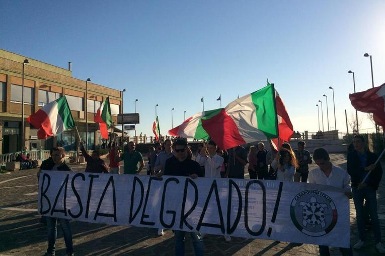 casapound torvaianica piazza