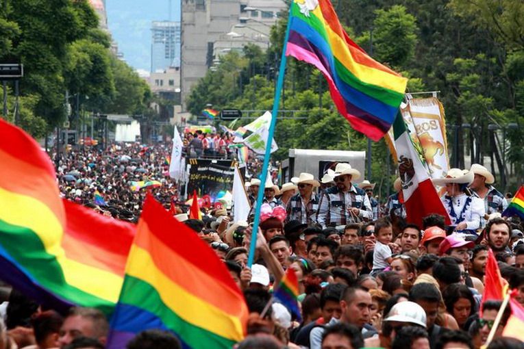 gay_pride_citt__del_messico