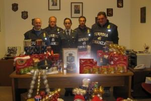Frosinone – Sequestrate luminarie e addobbi natalizi irregolari
