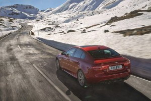 "La Jaguar XE tra le finaliste del premio ""European Car of the year 2016"""