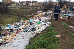 Centocelle – Rifiuti interrati: i Vigili sequestrano un terreno in via Casilina