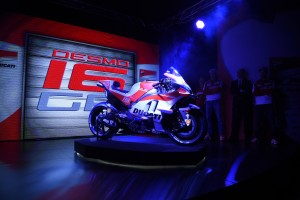 Presentato il Ducati Team 2016 all'Auditorium Ducati di Bologna