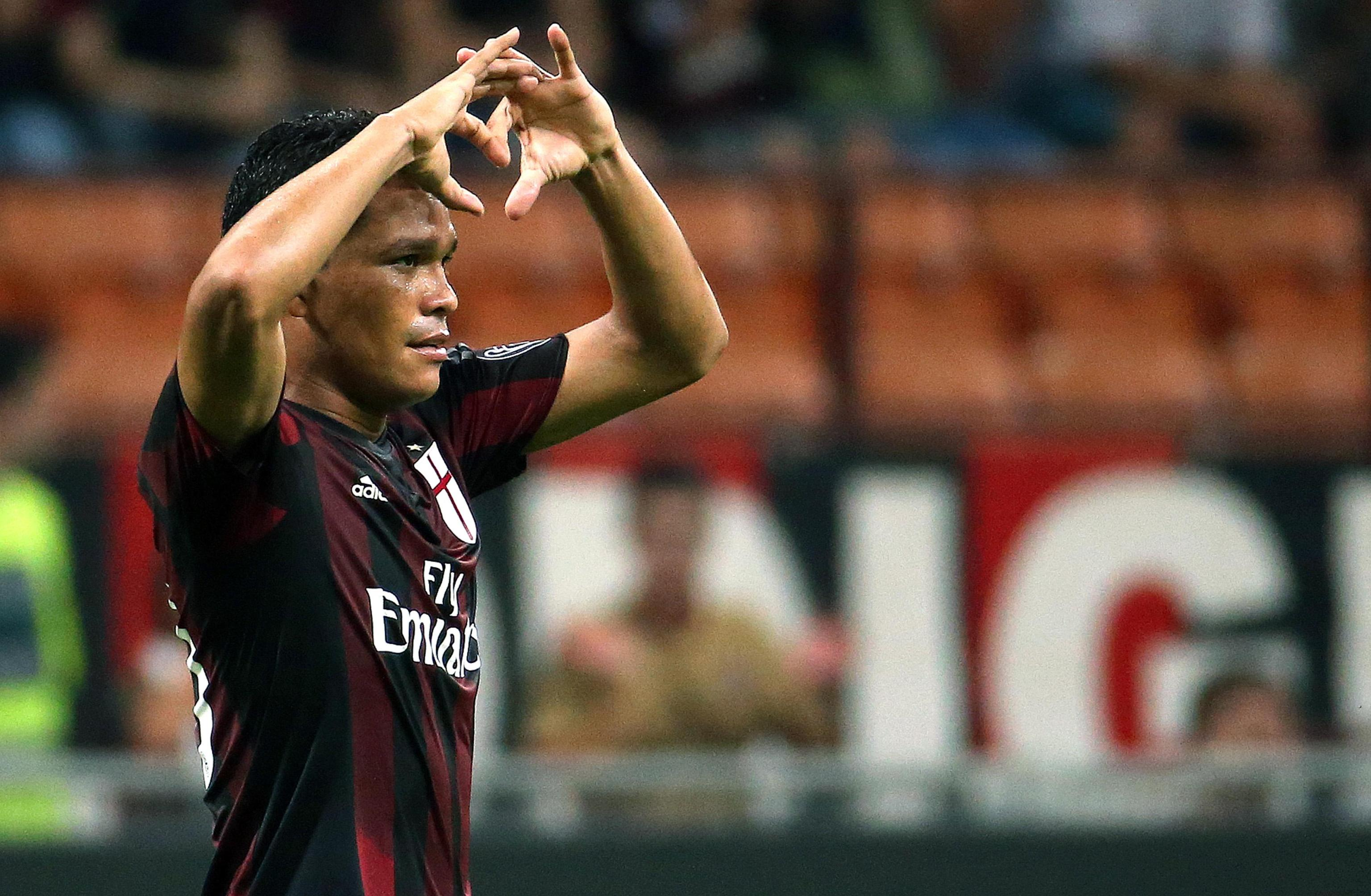 Milan's Carlos Bacca jubilates after scoring the goal during the Italian Serie A soccer match AC Milan vs Empoli FC at Giuseppe Meazza stadium in Milan, Italy, 29 August 2015. ANSA/MATTEO BAZZI