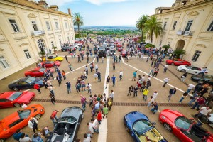 Cars and Coffee, la nuova stagione tricolore del fenomeno mondiale