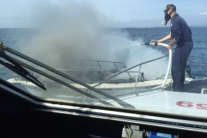 Nettuno – Due diportisti salvati dalla Guardia Costiera dopo un incendio scoppiato a bordo