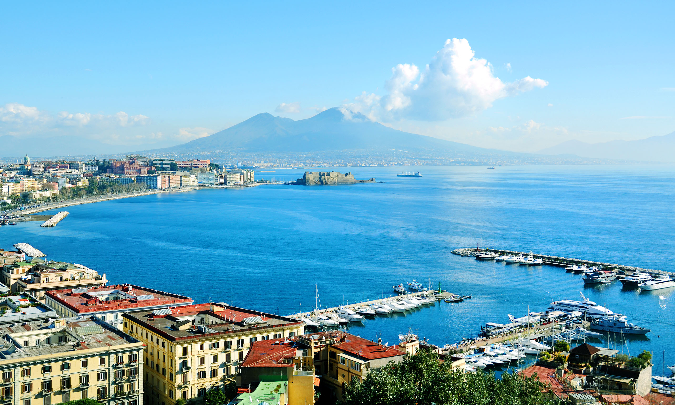 beautiful naples panoramic view; Shutterstock ID 107963174; PO: Shutterstock; Job: Shutterstock Groupon global relicense 5000