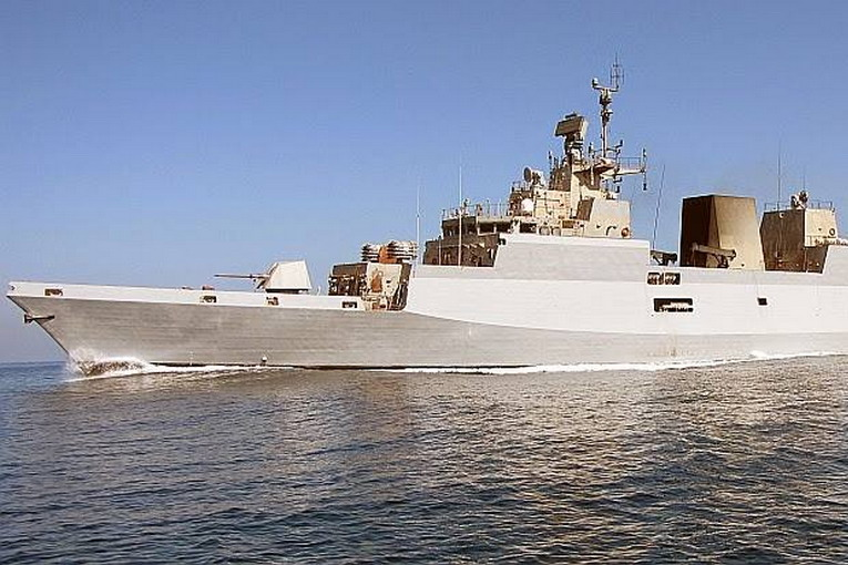 nave militare indiana