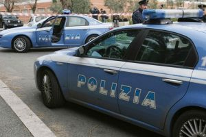 Roma, controlli antidroga al Casilino: due pusher in manette