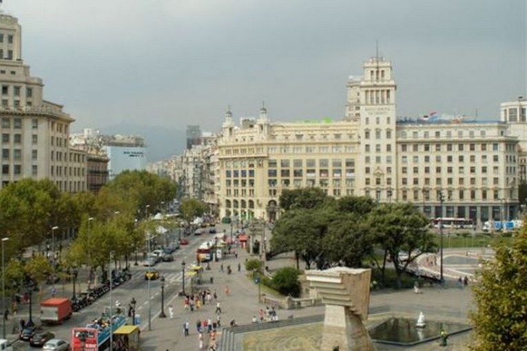placa_catalunya_2_place-full