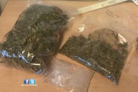 Roma, controlli antidroga: 6 pusher finiscono in manette