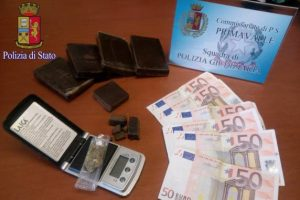 Quartaccio, spacciava droga da casa: arrestato un pusher