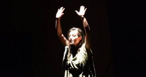 Rassegna Atelier: domenica 8 gennaio Piaf: black without wings al Nuovo