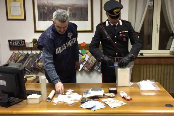 Monterotondo, sequestrati oltre due chili di cocaina: tre arresti