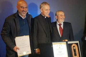 "Terremoto, il premio ""International Fair Play Award"" a Pirozzi e ad Amatrice"