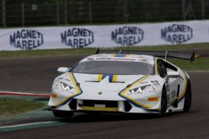 GT Italiano: Antonio D'Amico si impone a Imola e vola in vetta alla classifica