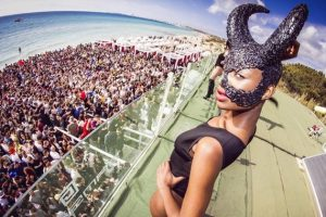 Samsara Beach: Opening a Riccione e June Hey Hey a Gallipoli