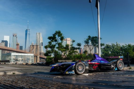 Formula E, Enel estende la partnership per la smart charge technology