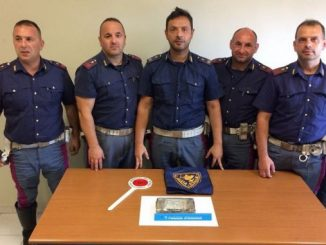 Cassino, 42enne scoperto con la cocaina in auto: arrestato