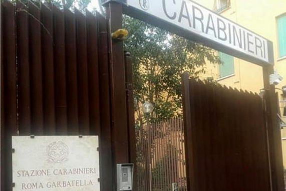 Garbatella, pusher incallito spacciava nonostante i domiciliari