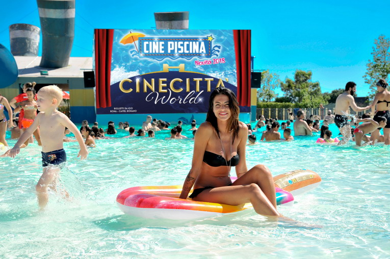Cinepiscina, cinema e divertimento a Cinecittà World